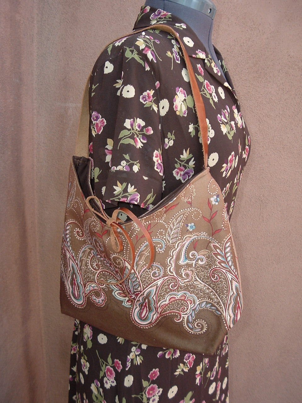 brown paisley hobo.jpg