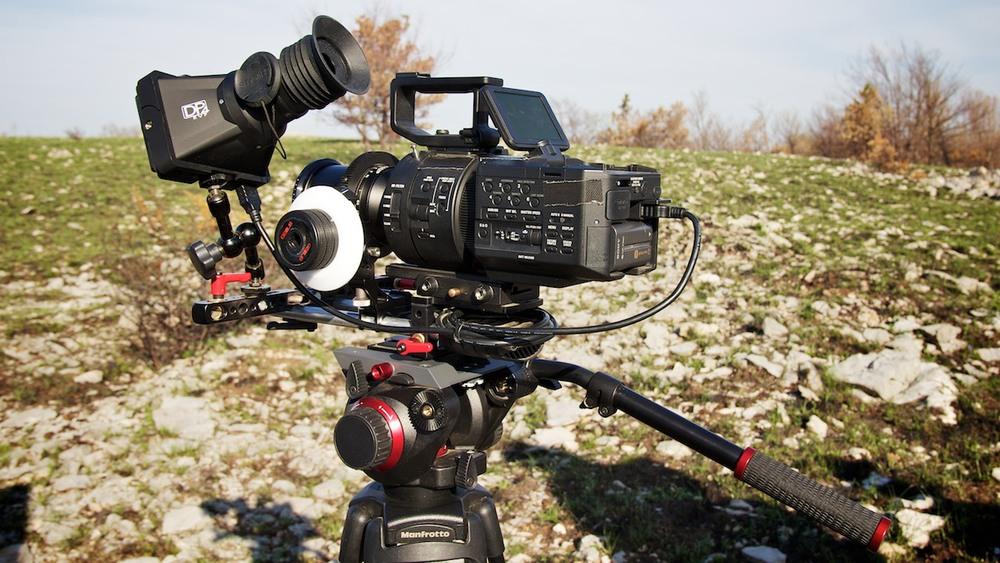 SONY NEX-FS100 Super 35 mm (slow & quik motions)