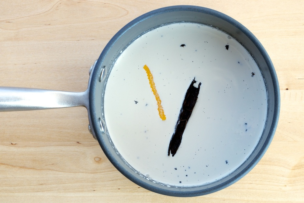 Warm vanilla bean and lemon zest