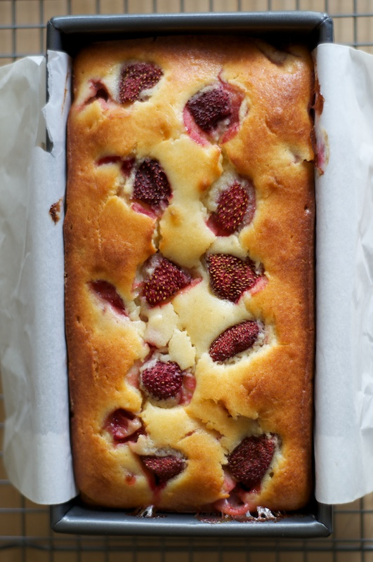 strawberry_loaf_cake.jpg