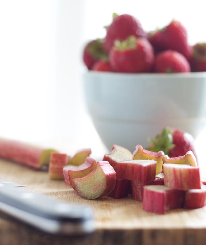 strawberry_rhubarb_crumble (1).jpg