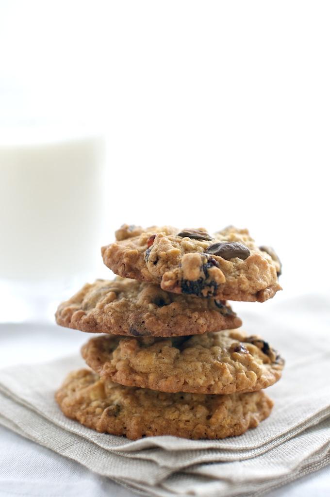 oatmeal_cookies_cherry_pistachio.jpg