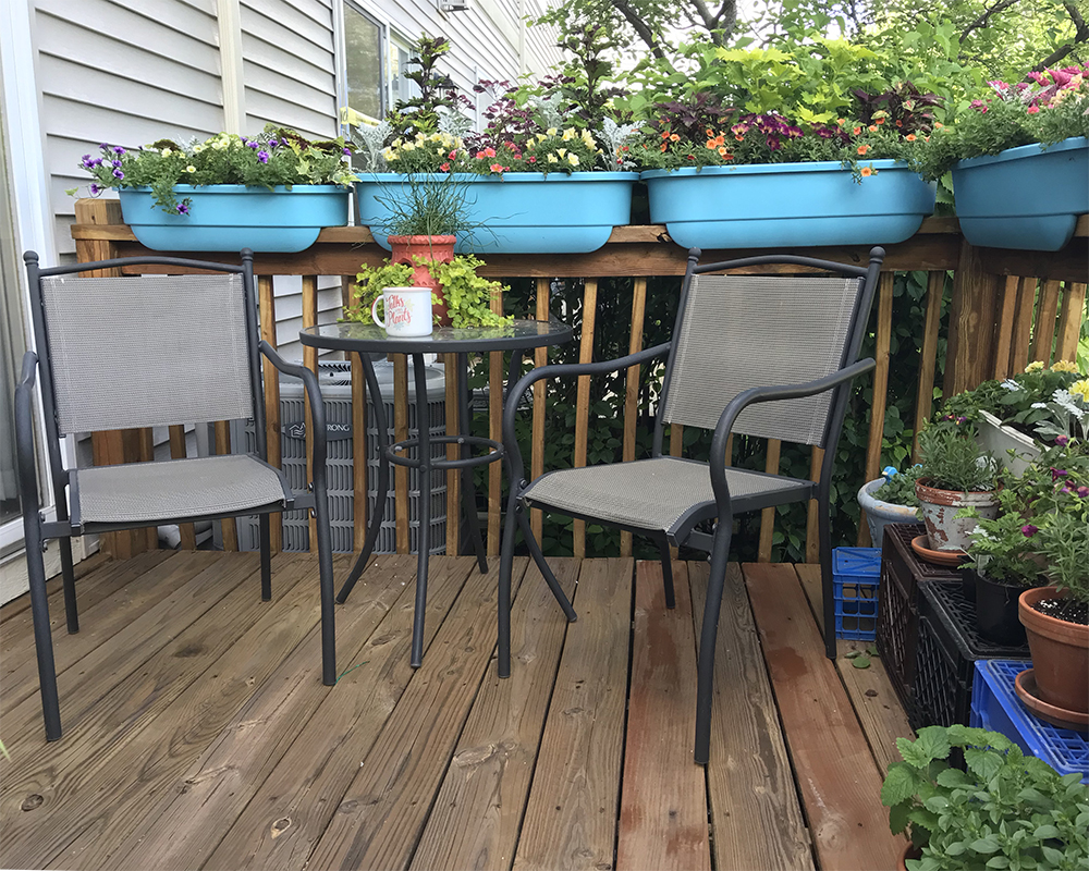 patio garden tour - blue planters