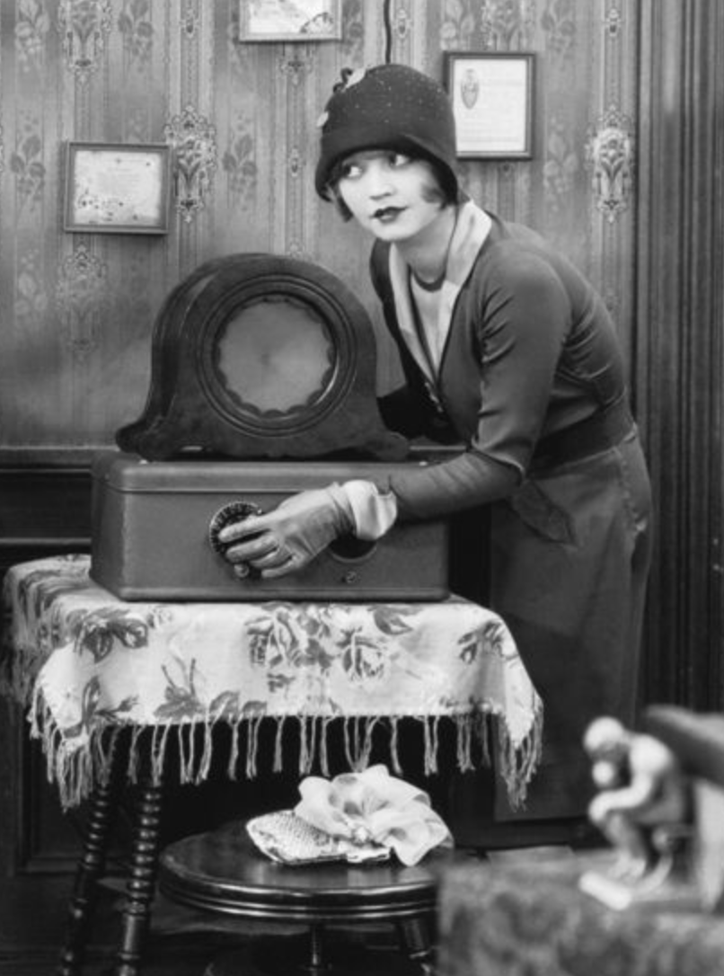 1920s girl listening to old radio | Editor's Edge | Kristi Drago-Price featured on B&H and Musea podcast
