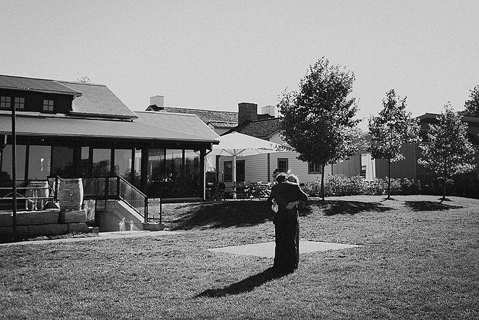 matt-and-erin-vineyard-wedding-077.jpg