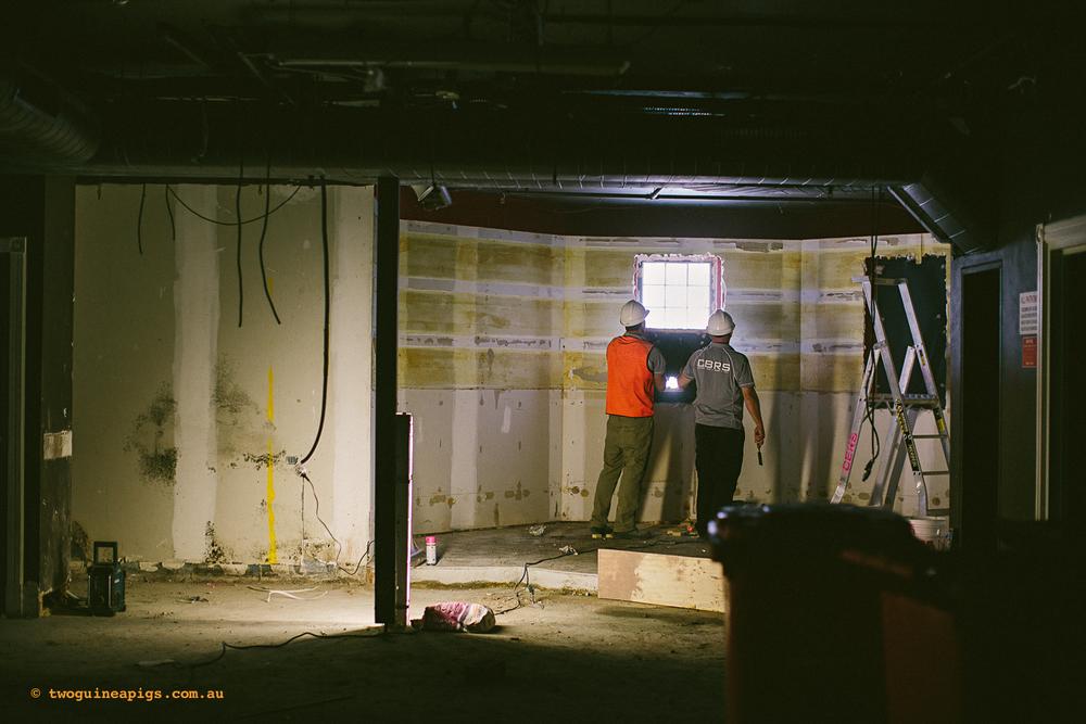 twoguinepaigs_ppvh_lincoln_demolition_behind-the-scene_1500-27.jpg