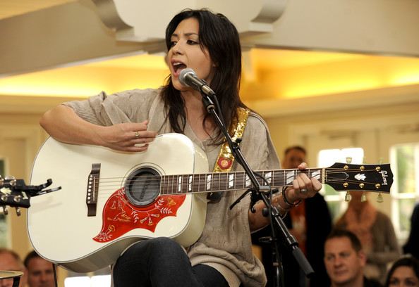 michelle branch glovely.jpeg