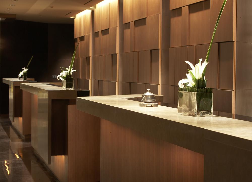 shilla hotel - reception desk