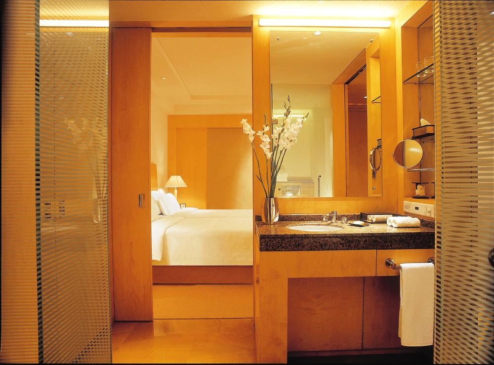 grand hyatt mumbai bathroom