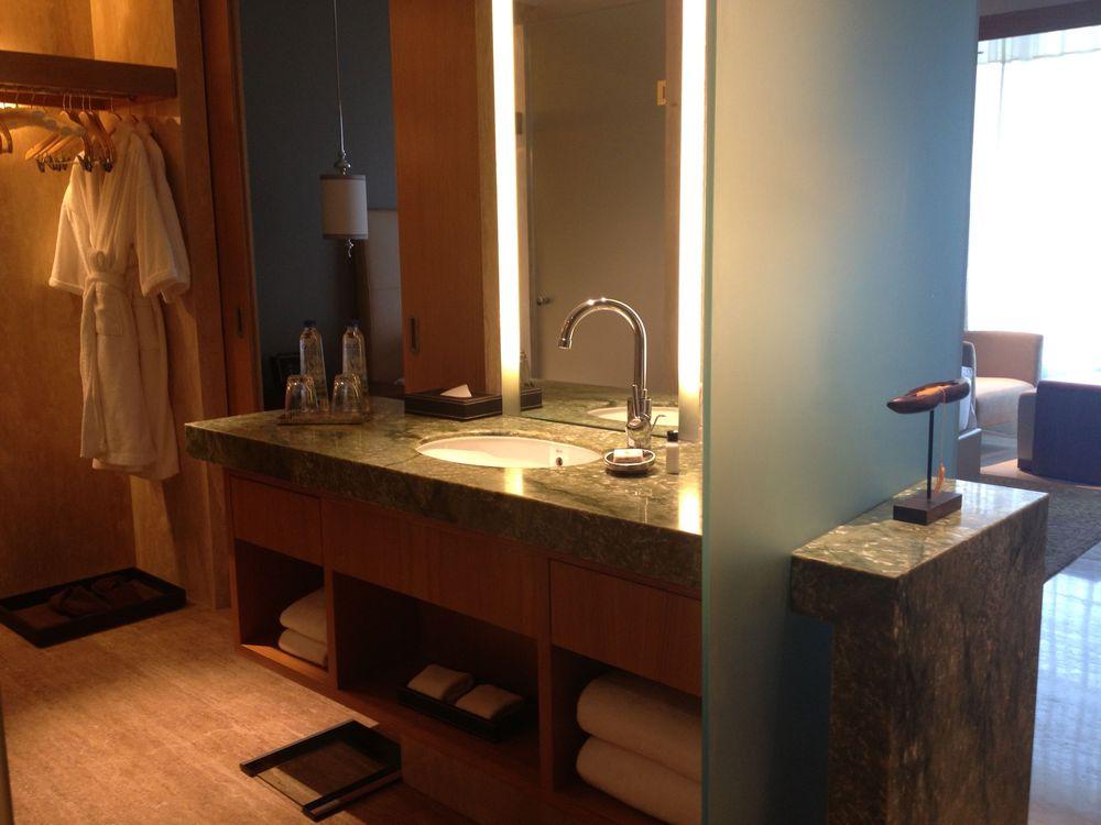 Park Hyatt Chennai - bathroom