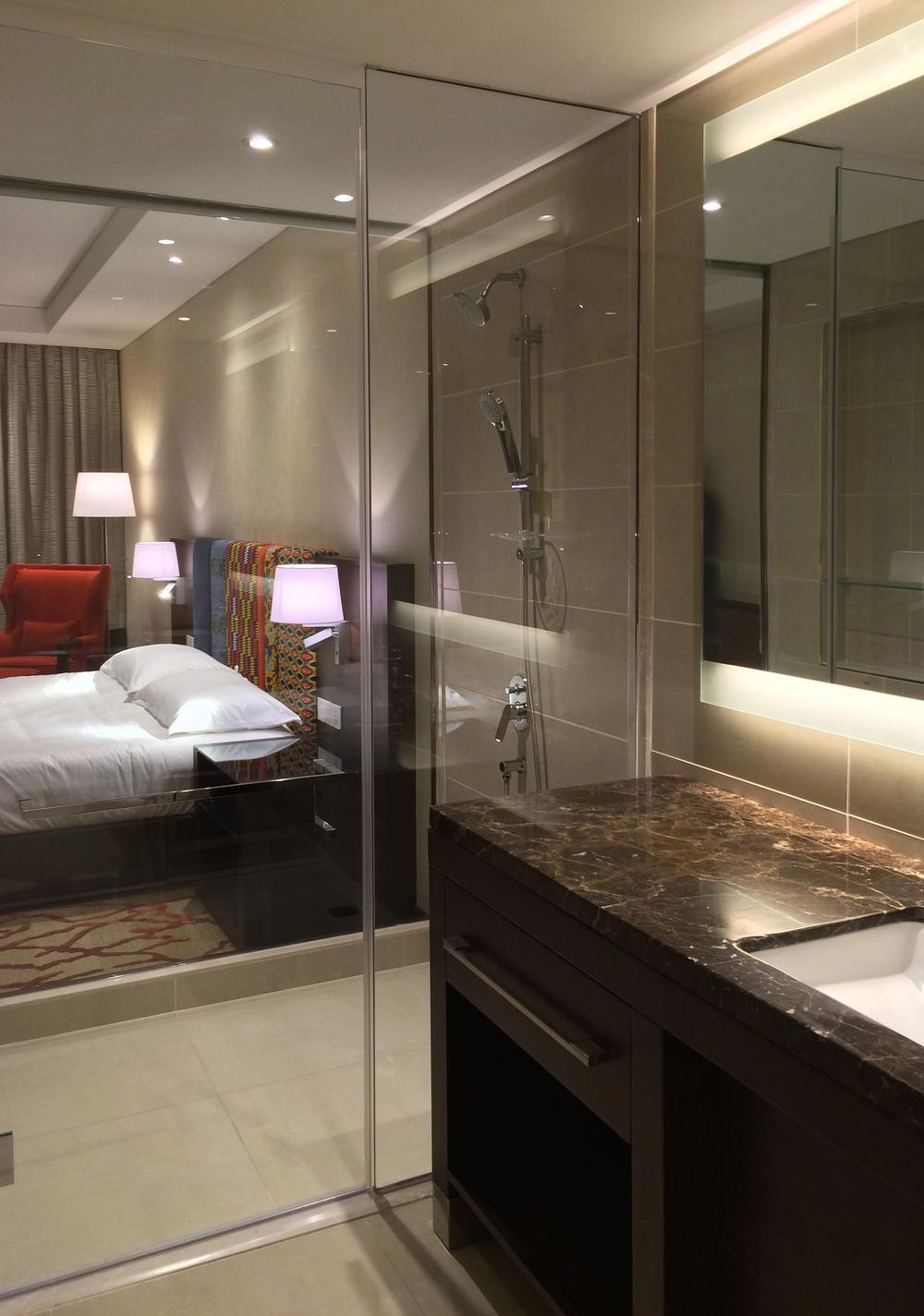 Cobico_Sheraton Conakry_King Bathroom.jpg