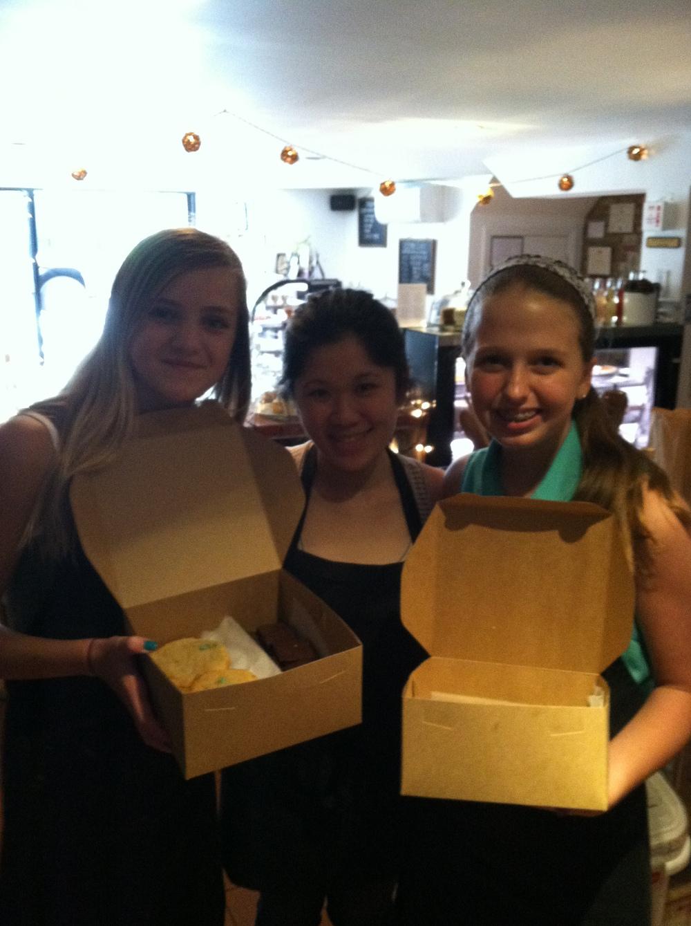 Maggie Lindsey, Daniellan Louie, Ava Lowry @ Ivy Bakery