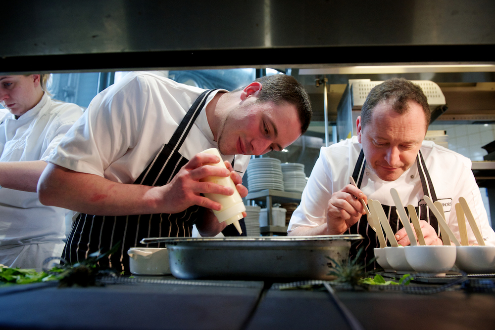 Iain and Neil plating up