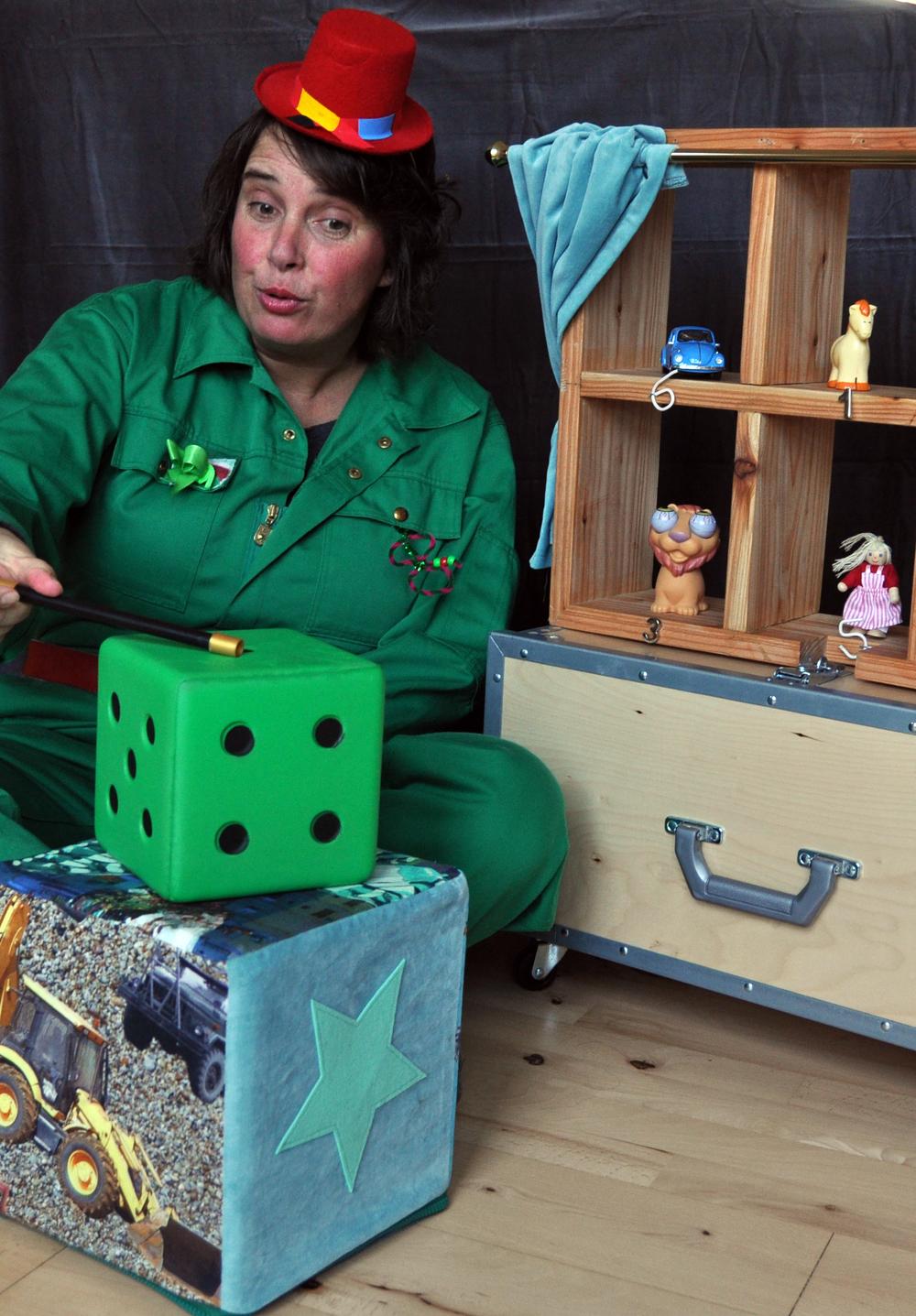 Katja's Fortælleshow har turneret i dagtilbud og på sygehuse.