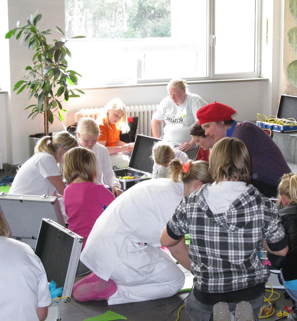 Kunstner Katja turnerede på sygehuse og børnepsykiatriske afdelinger i 2008-2012 med sit mobile værksted.
