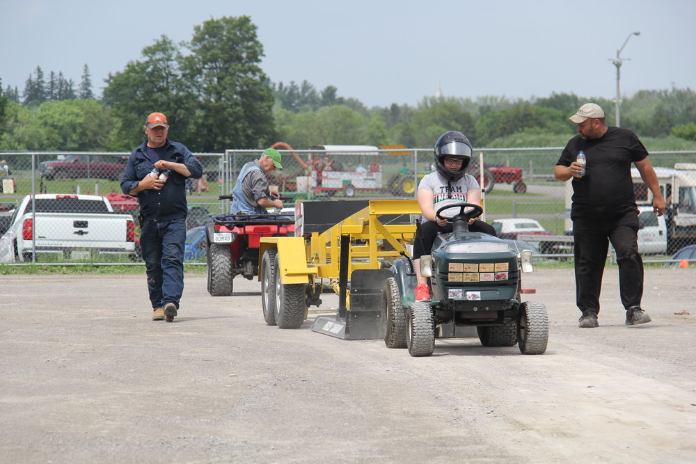 JUNIOR TRACTOR PULL    SCHEDULED for SUN. JUNE 17th 1:30 P.M .