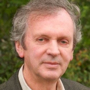 "Rupert Sheldrake believes the ""materialist worldview,"" rather than being abandoned, can be expanded to accommodate his work."