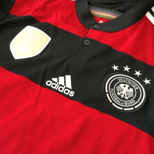 DEUTSCHLAND... DEUTSCHLAND... DEUTSCHLAND... DEUTSCHLAND... #germany #deutschland #4sterne #wm #wm2014 #weltmeister