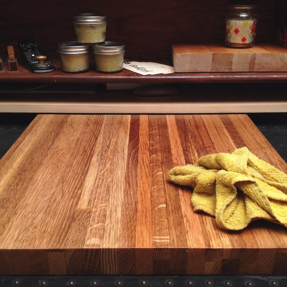 cutting-board-restoration-oiling-4.jpg