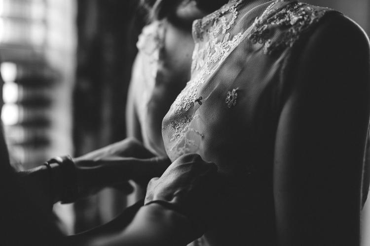 beautiful lace bohemian wedding dress