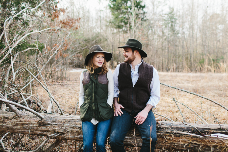 garden and gun inspired engagement shoot