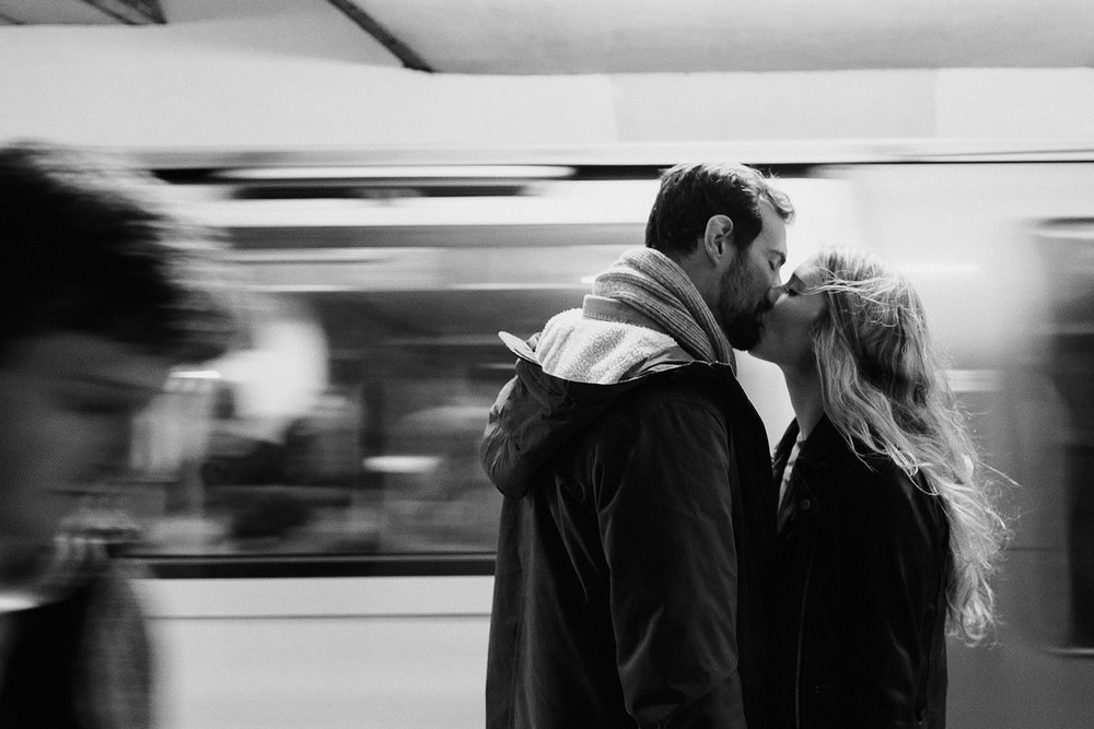london-tube-engagement-photographer.jpg