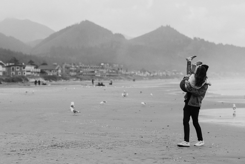 cannon-beach-engagement-oregon-23.jpg