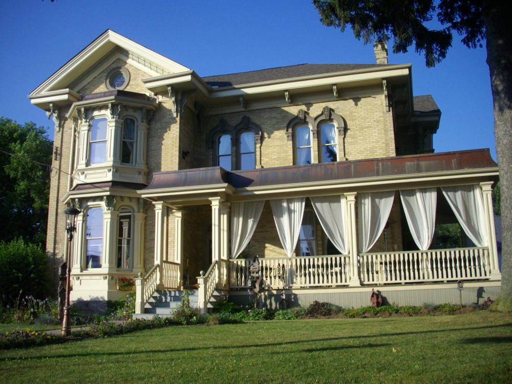 Puddicombe House (Inn)