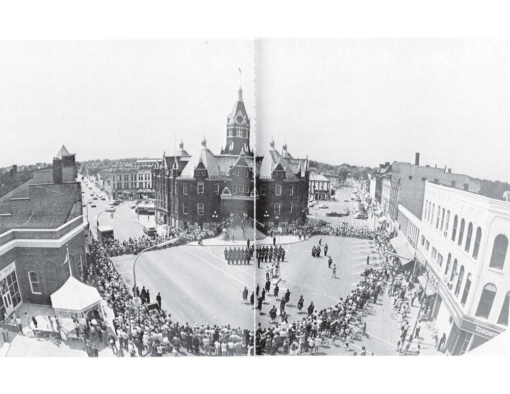 MARKET SQUARE Front of City Hall 1971.jpg