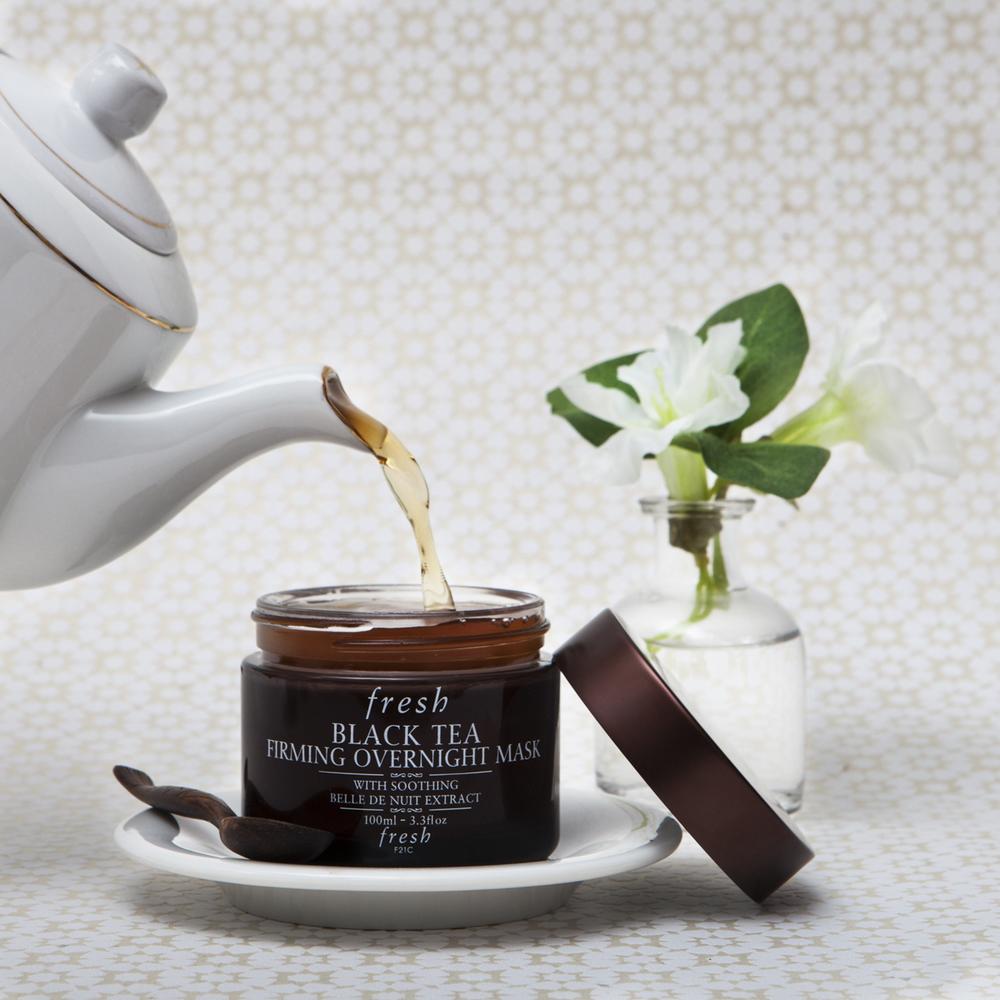 Fresh Tea Mask Tea pours.jpg
