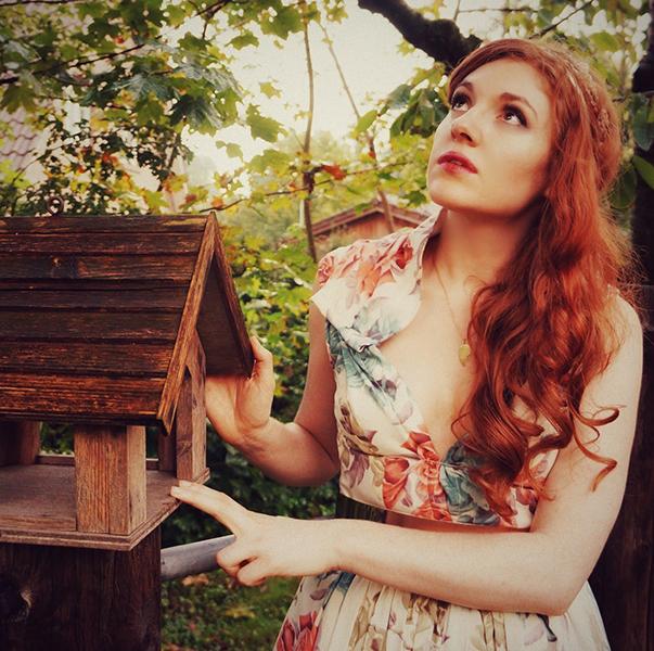 Amber_birdhouse_w.jpg