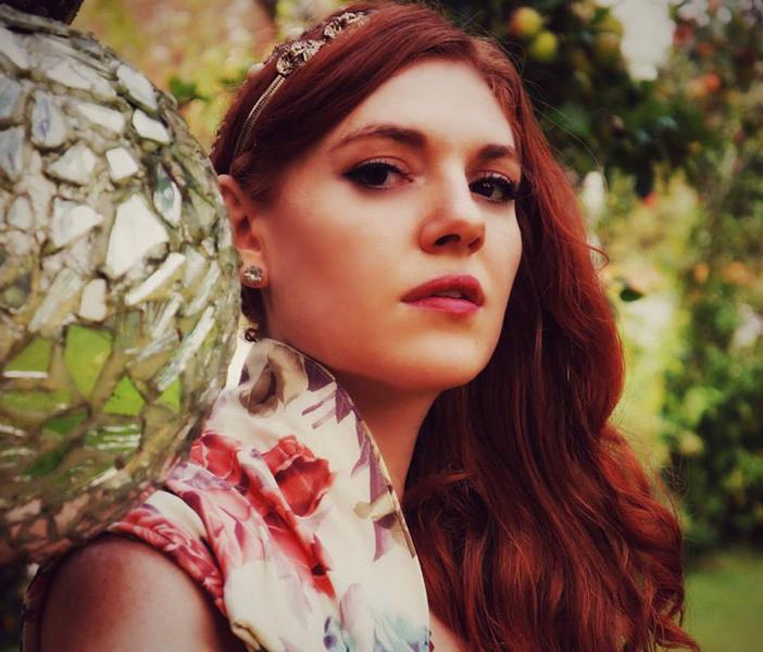 Amber_Closeup_w.jpg