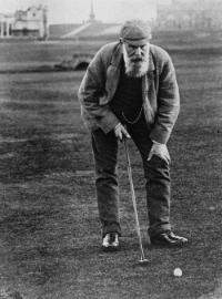 GC008-Old-Tom-Morris-addressing-the-ball-1905.jpg