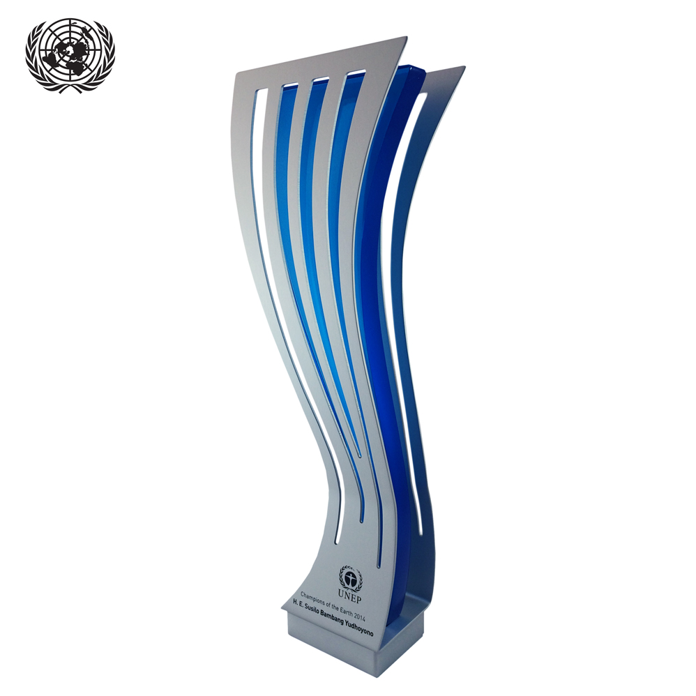 united nations glass award champions of the earth