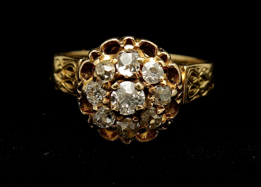 Antique 18kt Diamond Old Mine Cuts 1.10cts Ring
