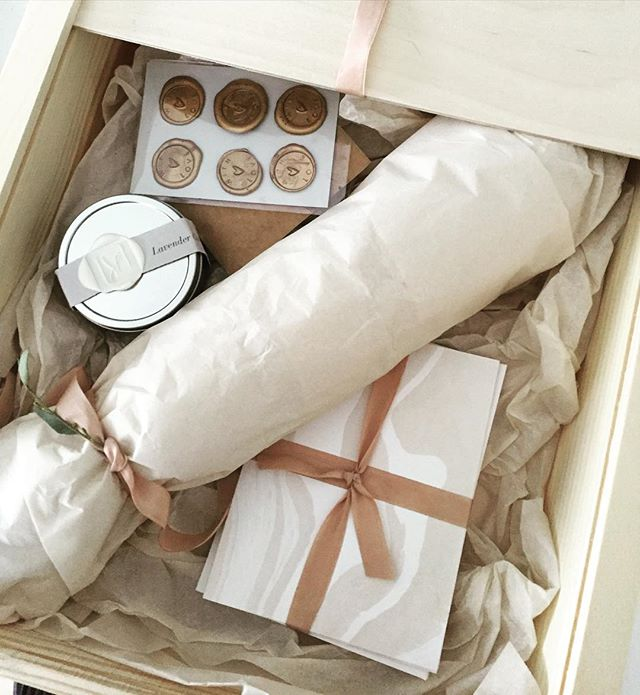 Loving this beautiful box of #California goodies from @sarahdrakedesign #stationary #luxurywedding #waxseal