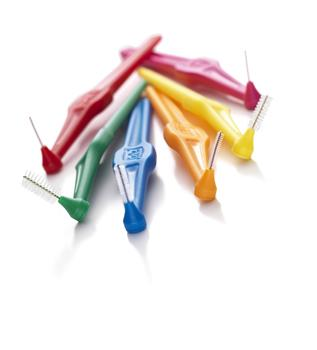 Interdental toothbrushes for brushing with braces