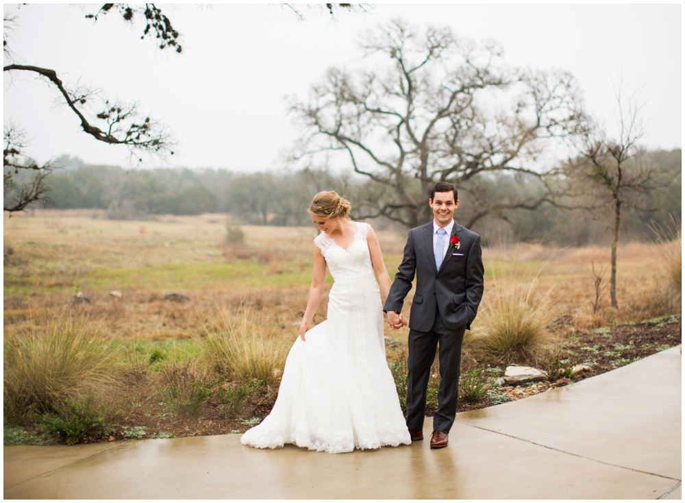Lady Bird Johnson Wildflower Center Winter Wedding_0008.jpg
