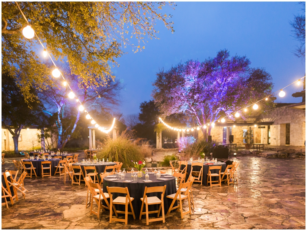 Lady Bird Johnson Wildflower Center Winter Wedding_0021.jpg