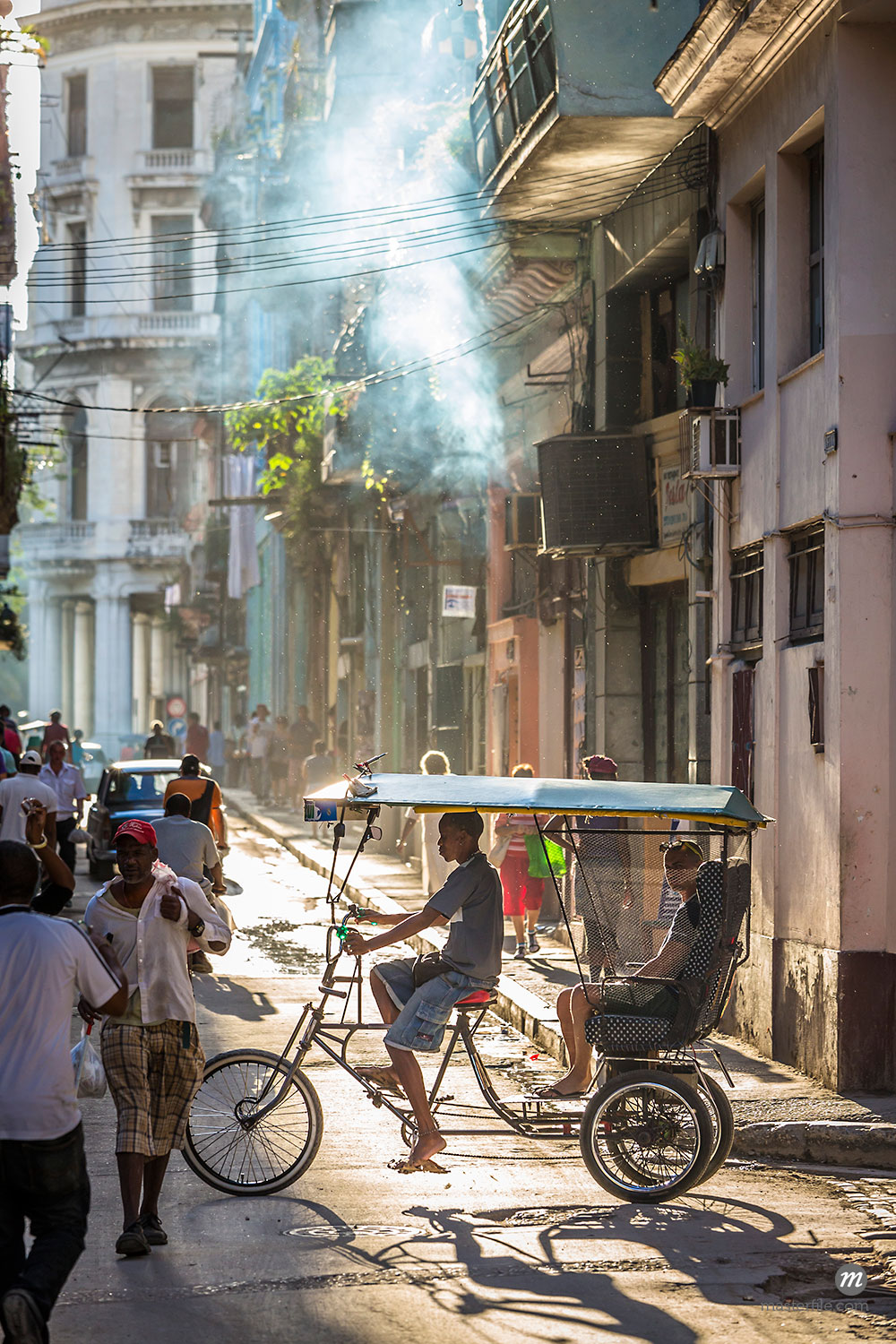 Cycle Rickshaw with Passengers on Busy City Street, Havana, Cuba  ©  R. Ian Lloyd / Masterfile