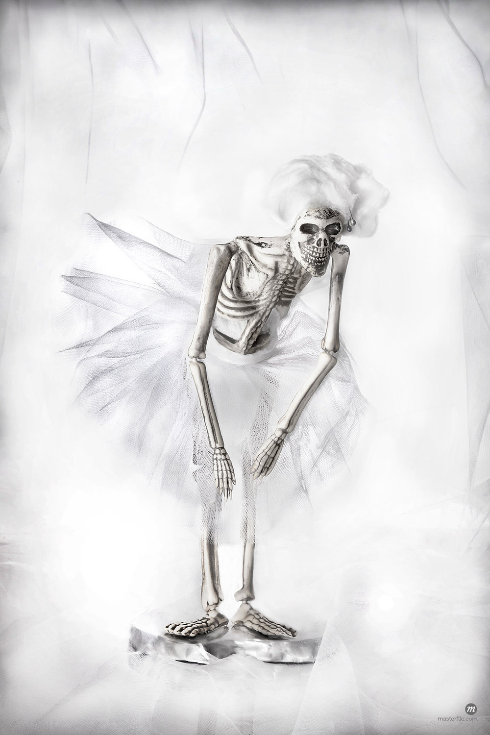 Skeleton ballet dancer © Siephoto / Masterfile