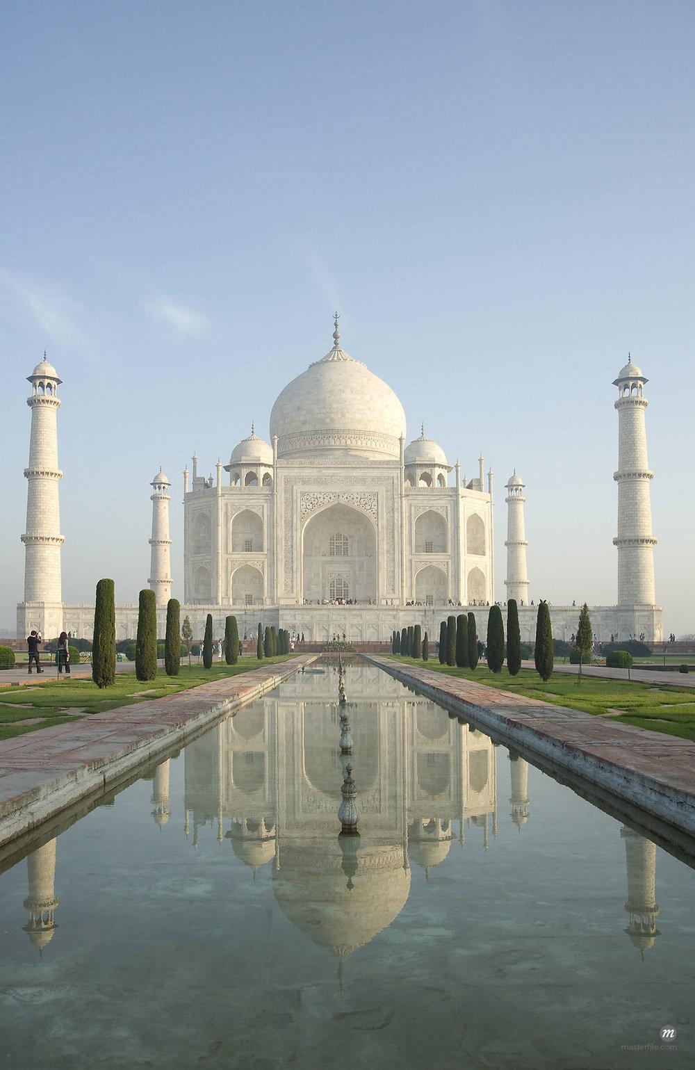Taj Mahal © Robert Harding Images / Masterfile