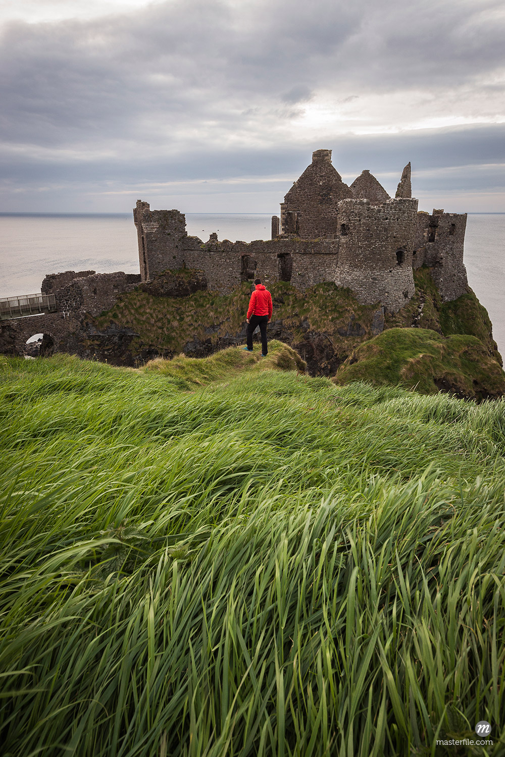 Dunluce Castle ruins, Northern Ireland, County Antrim © ClickAlps / Masterfile