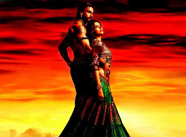 Ranveer Singh & Deepika Padukone in Ram Leela.