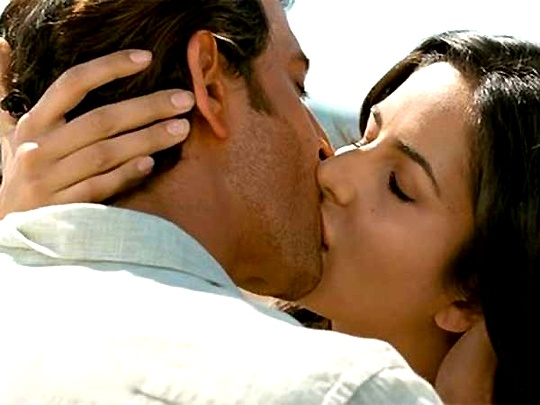 Hrithik-Katrina previously shared a lip lock in  Zindagi Na Milengi Dobara  (2011)