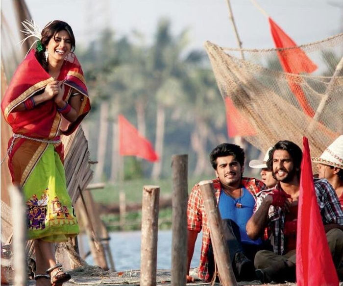 Priyanka-Ranveer-Arjun on the sets of <i>Gunday</i>
