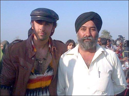 Ranbir Kapoor on the sets of  Besharam  (pic courtesy Bollywood Hungama)