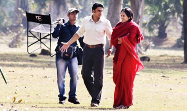 Sonakshi-Ranveer on the sets of Lootera