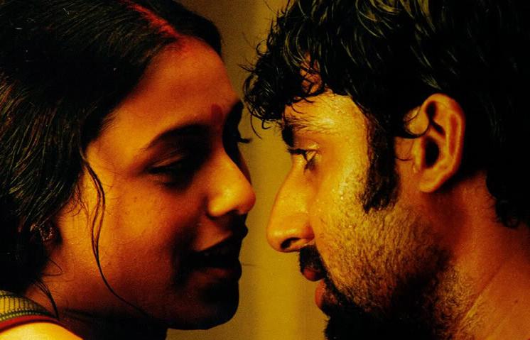 Rani-Abhishek in <i>Yuva</i> (2004)