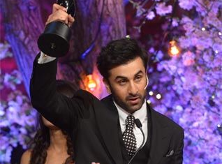 Ranbir Kapoor won at TOIFA for his stellar turn as a deaf mute boy in Barfi!